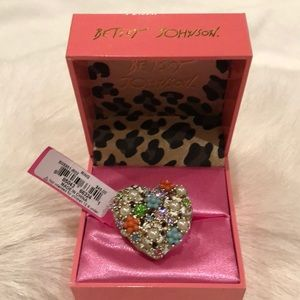 New betsey Johnson heart ring